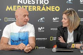 El biólogo y fotógrafo Manu San Félix y Paloma Martín, directora de programación de 'National Geographic'