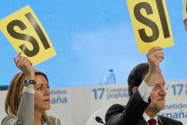 El PP hace piña y niega guiños a ETA mientras ultima su nueva dirección