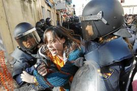 Tercer día de altercados entre estudiantes y policías en Valencia