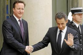 Sarkozy y Cameron descartan una acción militar para derrocar al Al Asad