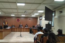 Condenan a tres años de cárcel a un joven por pegar un puñetazo a otro en el Arenal