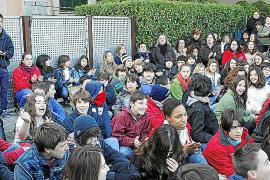 Los alumnos del instituto de Sant Marçal protestan ante la «precariedad» del centro