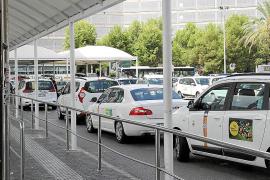 La tarifa mínima desde el aeropuerto de Palma indigna a una parte de los taxistas
