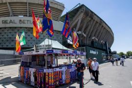 Detienen a 23 aficionados y cinco policías resultan heridos en incidentes en Sevilla antes de la Copa del Rey