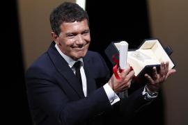 Antonio Banderas, mejor actor en Cannes donde Bong Joon-Ho se lleva la Palma de Oro