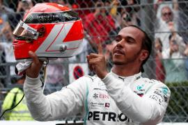 Hamilton gana en Mónaco y Sainz acaba sexto