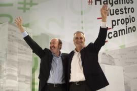 Rubalcaba denuncia  la «repugnante campaña» del PP contra los sindicatos