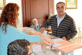 Golpe de efecto del actual alcalde del PI en Sant Joan al quedar a 3 votos de la mayoría
