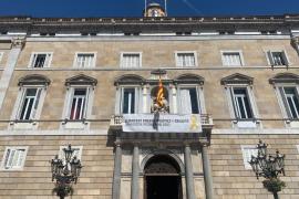 Torra vuelve a pedir la libertad de los políticos presos desde el balcón de la Generalitat