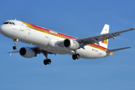 Iberia anulará 153 vuelos este lunes durante  la décima jornada de paros de los pilotos