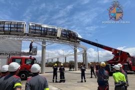 Escolares atrapados a ocho metros de altura en Palma