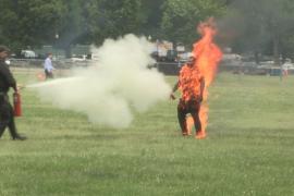 Un hombre se prende fuego frente a la Casa Blanca