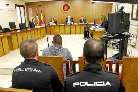 Siete años y medio de cárcel por golpear y mordisquear a varios agentes de Sant Antoni