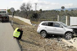 Un conductor se duerme y acaba estrellándose contra una finca en la carretera de Sóller