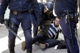Cerca de 400 estudiantes se refugian en la facultad de Geografía de Valencia