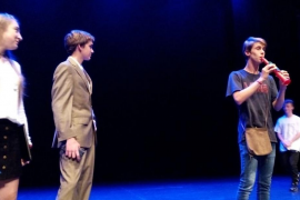 Los alumnos del IES Port d'Alcúdia protagizan 'Hamelin Project' en el Teatre Principal