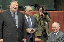Grecia se acuesta optimista sobre la quita y las nuevas ayudas del Eurogrupo