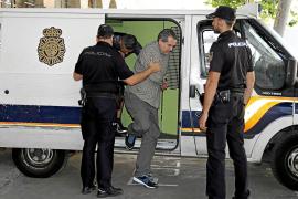 El pirómano detenido confiesa que quemó contenedores en Palma por venganza