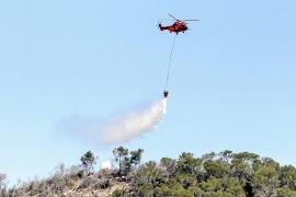 Efectivos de la UME se preparan sobre el terreno para actuar ante una emergencia