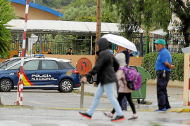 La policía interroga a más empleados de La Salle por la muerte de la niña