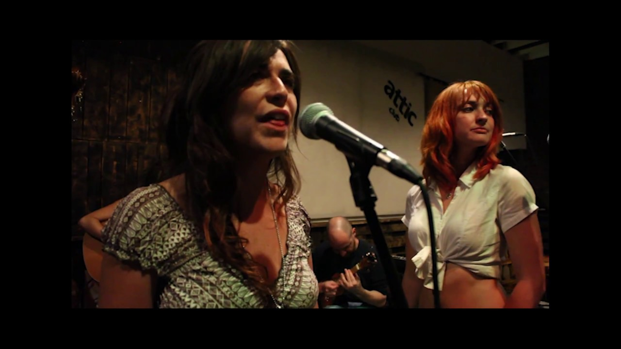 Concierto de Los Fangueros en el Novo Café Lisboa