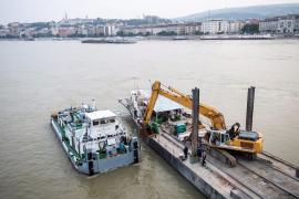 Hallan tres nuevos cuerpos tras el naufragio de una embarcación turística en el Danubio
