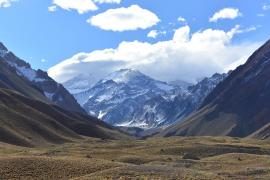 Muere un turista español practicando montañismo en Los Andes