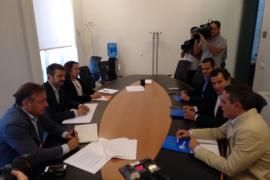 PP y C's empiezan las negociaciones con «bastante sintonía» pero sin concretar acuerdos