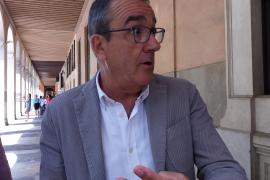 Yllanes entiende que Més «está pensando más en cargos o sillones» que en el programa