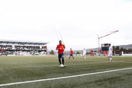 España firma el pleno con goleada (1-4)