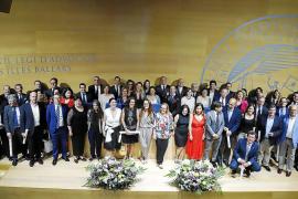 Más de 50 abogados celebran sus bodas de plata con la toga