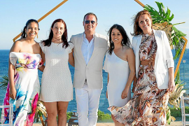 Una fantástica no boda de weddings en el increíble hotel ME Ibiza de Santa Eulària