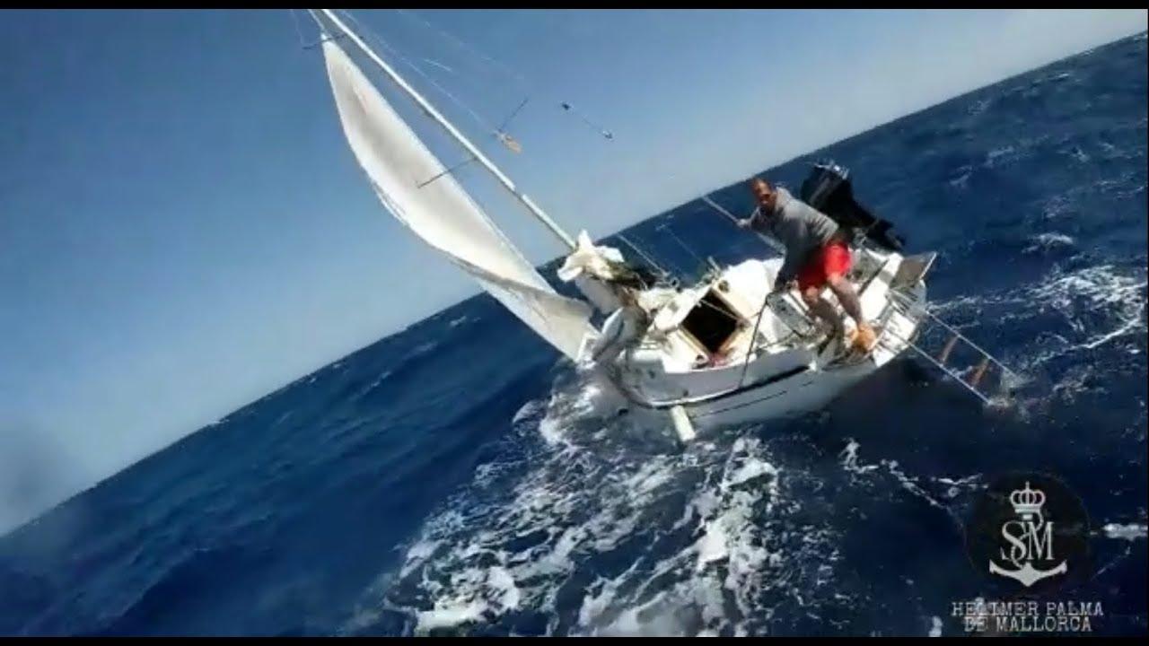 Rescatados los tripulantes de un velero y trasladados a Palma