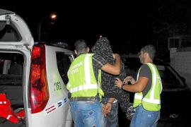 Detenidos dos menores por un incendio intencionado en una oficina en Cala Rajada