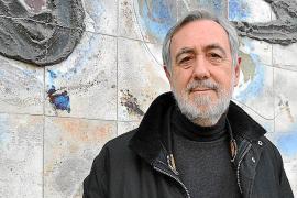Pau Faner rememora a sus «mentores» en la presentación de 'Diàlegs entre tres'