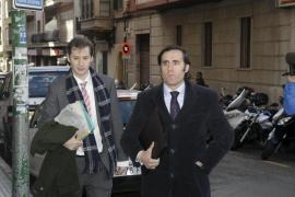 Ruiz-Mateos no acude a declarar y la juez le advierte de su  posible detención