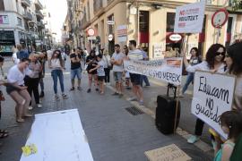 Concentración en Palma para reivindicar que el salario de los educadores infantiles llegue a los 1.000 euros