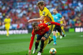España gana 3-0 a Suecia y se acerca a la Eurocopa