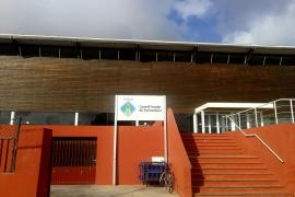 El Consell de Formentera reparará la cubierta de la Piscina Municipal