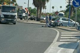 Accidente entre una furgoneta y una moto en Palma