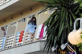 La mitad de los pacientes de la UCI de Son Espases en verano son extranjeros