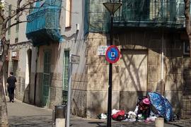 El vecindario de Pere Garau reclama una solución para Ana por «dignidad y humanidad»