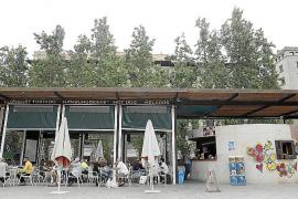Plazo de 5 meses para desalojar el bar de la plaza Comtat del Rosselló