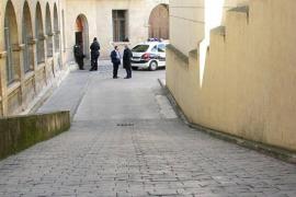 La policía gana finalmente el pulso a los jueces y Urdangarin entrará en coche a los juzgados