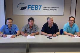 Sindicatos y patronal firman el nuevo convenio colectivo del transporte discrecional