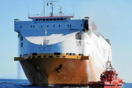 Varios detenidos por provocar el incendio en el carguero 'Grande Europa'