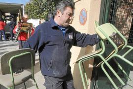 Los muebles embargados regresan al colegio Santa Illa de Madrid