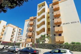 Un turista belga, en estado grave tras tirarse desde un balcón en Ibiza