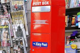 Correos y Easy Post se enfrentan por el envío de cartas y postales de los turistas
