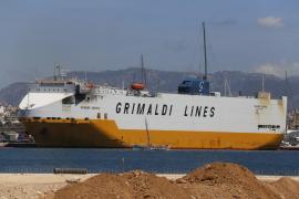 Prisión para el capitán y dos oficiales por el incendio del carguero 'Grande Europa'